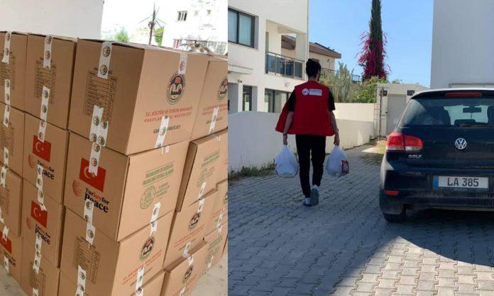 Kıbrıs Türk Kızılayı gıda paketini